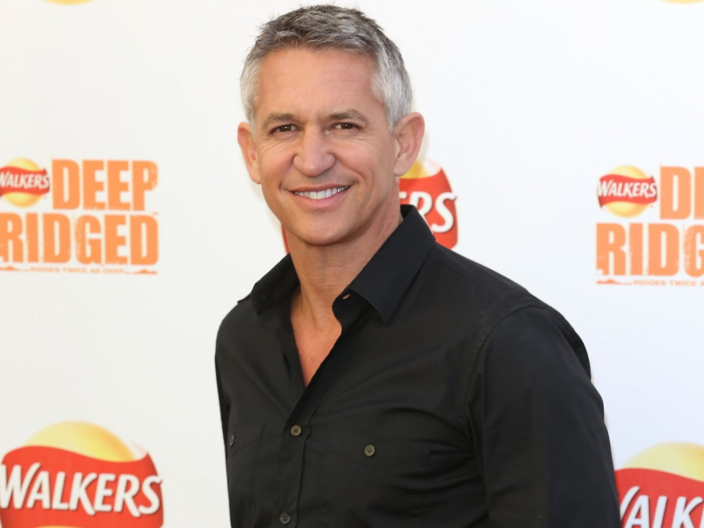 gary-lineker-black-shirt-43